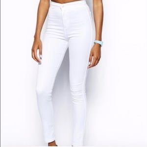 ✨American Apparel White Jeans - NEW (XS)